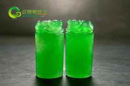玻璃种帝王绿的介绍 玻璃种帝王绿翡翠价格多少?