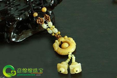 翡翠玉坠挂绳欣赏