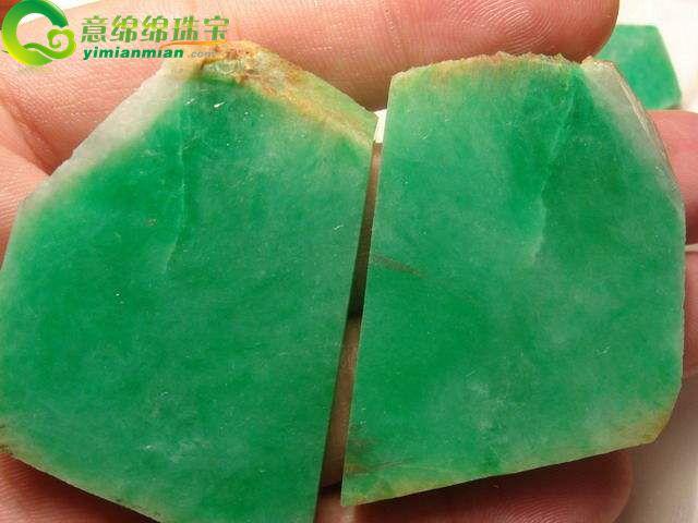 翡翠的绿是什么元素所致_什么颜色的翡翠最好