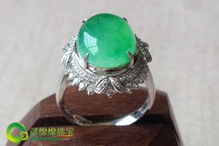 翡翠戒指的挑选,戴对了才是真的美