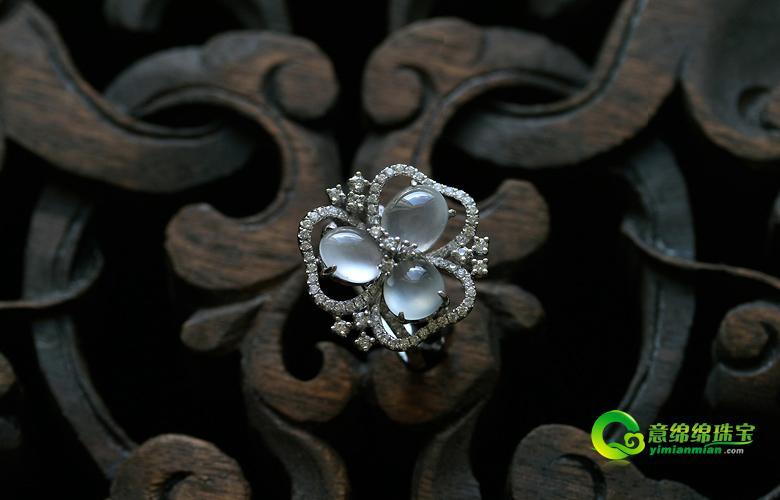 缅甸老坑玻璃种天然翡翠A货18K白金钻石玉戒指