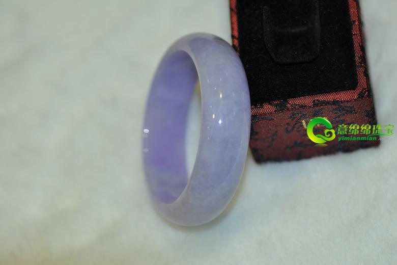 玲珑紫罗兰翡翠手镯 腕间风情相对笑看