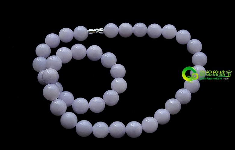 搭配展光华 不同颜色翡翠珠链与服装搭配有讲究
