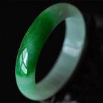 緬甸天然A貨帶陽綠翡翠玉手鐲非賣品有緣者得之 內徑60MM