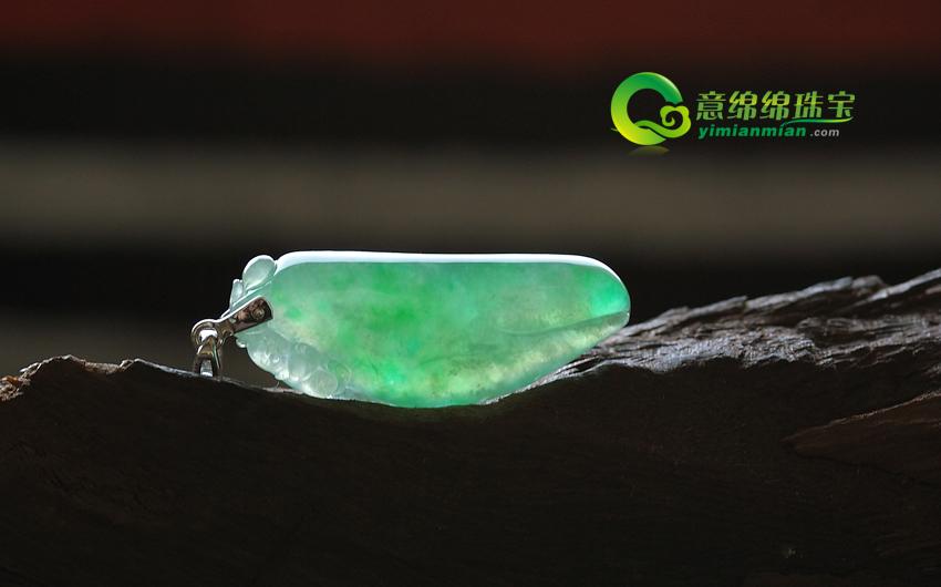 天然缅甸老坑a货冰种带翠镶嵌翡翠福瓜挂件-意绵绵珠宝