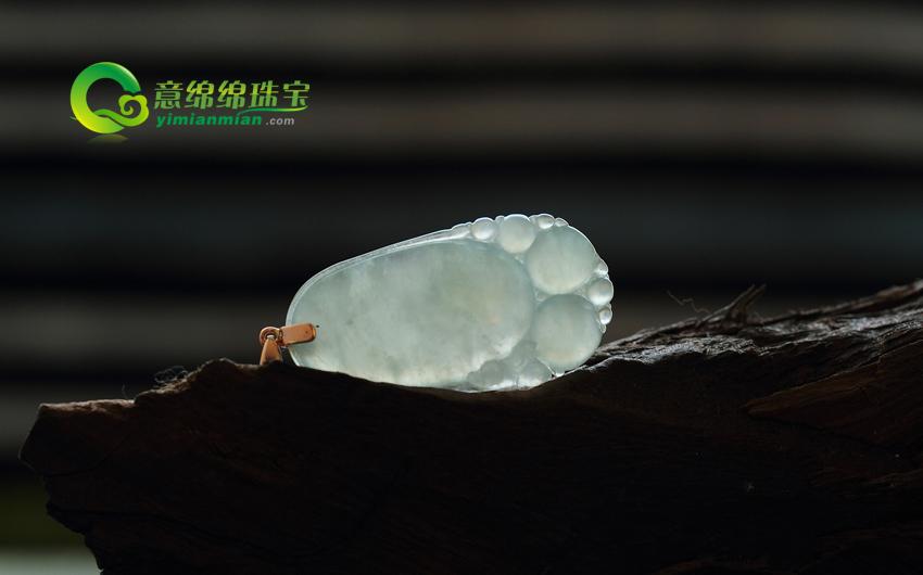 福地洞天天然老坑A货镶金冰种翡翠福瓜挂件