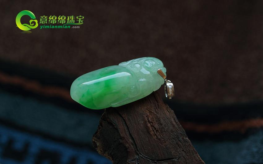 送给长辈的重阳节礼物 盘点适合送给长辈的翡翠雕件