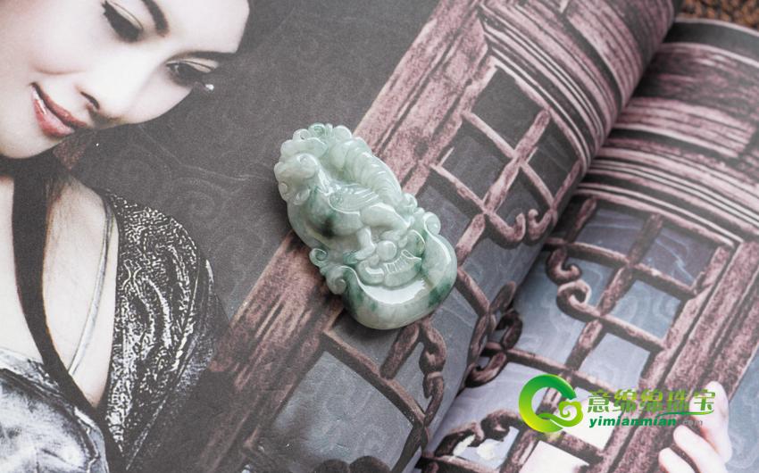 金鸡报喜缅甸天然翡翠生肖鸡挂件