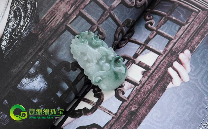 前程有望缅甸天然翡翠生肖狗挂件
