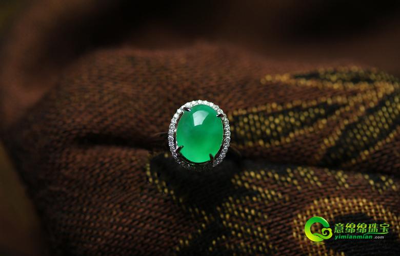 玉质细腻精美翡翠戒指 打造属于你的专属气质