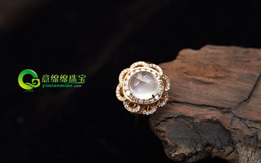 送女朋友圣诞礼物 翡翠戒指情定一生