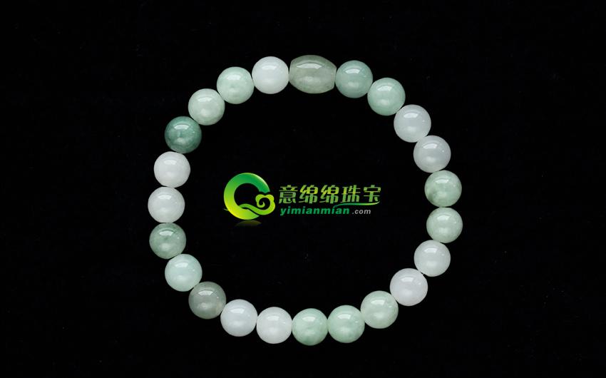 """灵气典雅天然缅甸翡翠A货圆珠手链 佛珠的种类很多。若就其使用方面来讲,通常可分为三种类型: 1、挂珠 挂在颈上的佛珠。挂珠,多采用翡翠、水晶、玛瑙、珊瑚、密蜡、绿松石等珍贵材料制成,子珠的色泽必须均匀,要求选用彼此间色彩变化不大、温润细腻、光洁晶莹的好材料制做。同时,子珠的直径亦要求在一厘米左右,不可有大的误差。在联缀时,每二十七颗子珠间嵌入一颗隔珠,在母珠的下方还会配有一种编织精美的中国结与美玉、翡翠等挂件组合而成的""""佛头穗""""。在重要的法会上或大和尚礼佛拈香的时候,这种&ldq"""