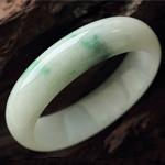 天然缅甸A货冰糯种翡翠贵妃手镯 内径53.5mm