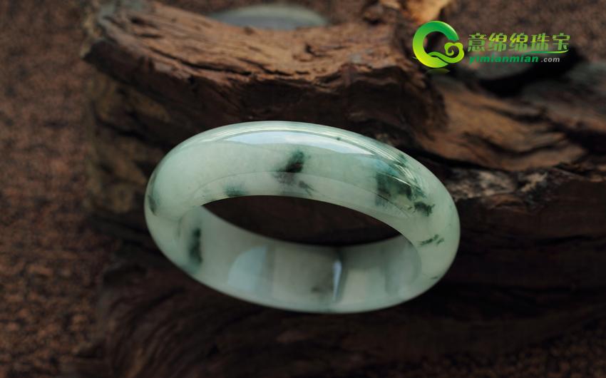 天然缅甸A货翡翠冰种飘绿花翡翠手镯 内径58mm