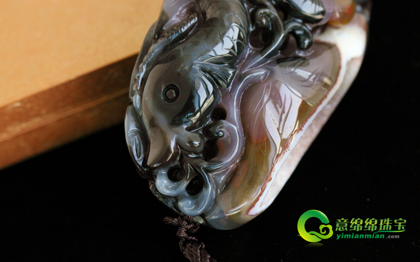 纯天然水晶洞聚宝盆鲤鱼戏水把玩 蝙蝠玛瑙手玩