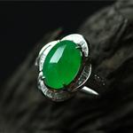 美丽无暇缅甸天然翡翠A货玻璃种镶金戒指