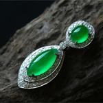 缅甸老坑玻璃种天然阳绿翡翠A货18K白金钻石玉吊坠