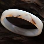 淡黄的天然玛瑙手镯内径55.3mm