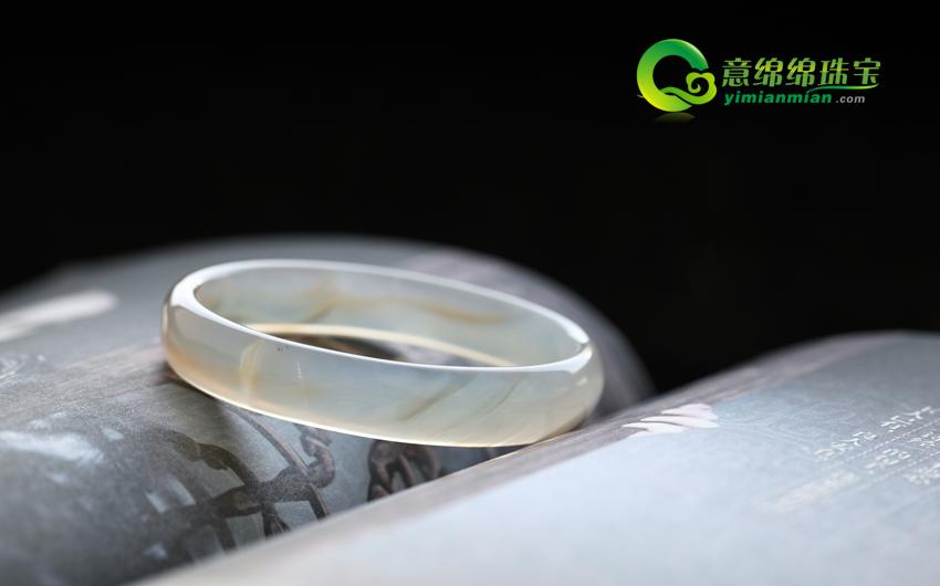 天然灰色玛瑙手镯内径54.3mm
