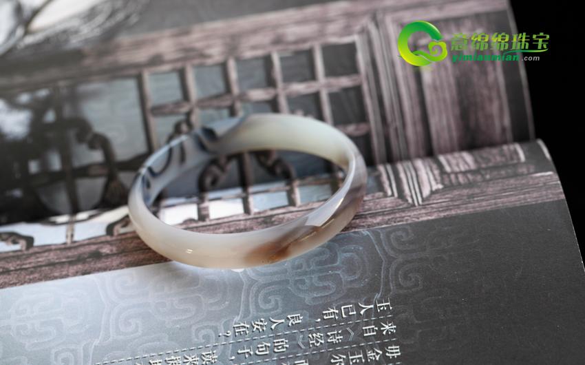 天然黑斑玛瑙花手镯内径53.3mm(有纹)