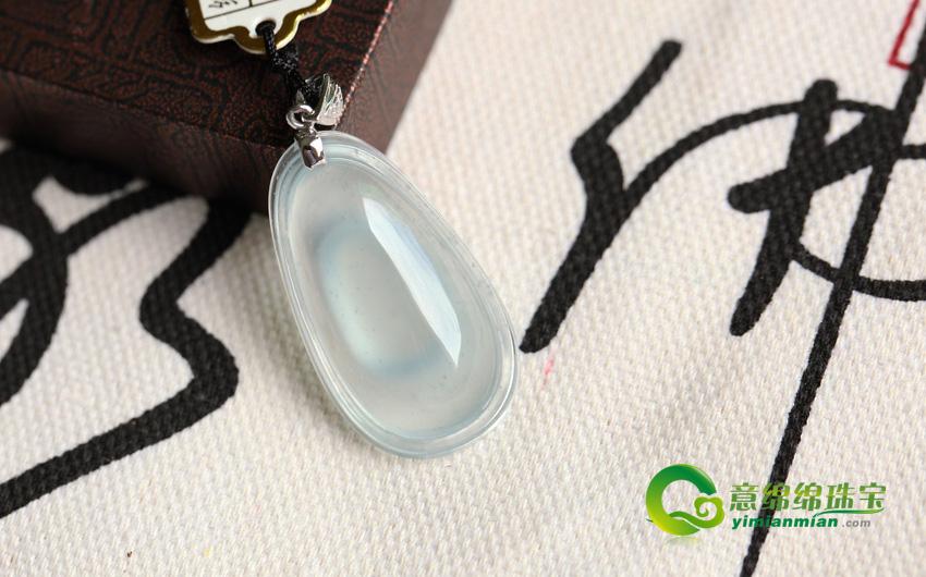 皑皑白雪天然缅甸A货玻璃种木那翡翠福贝挂件