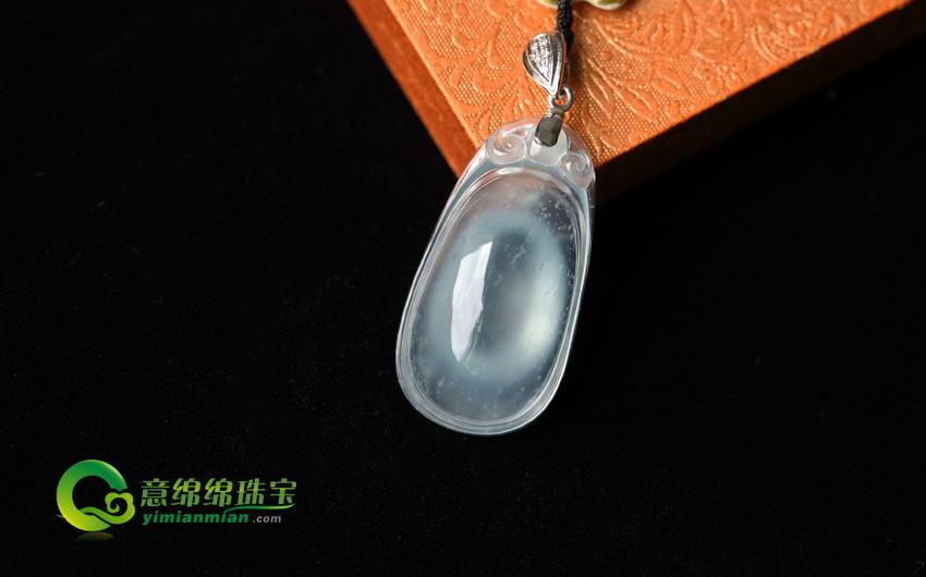 瑞雪飞舞天然缅甸A货玻璃种木那翡翠福贝挂件