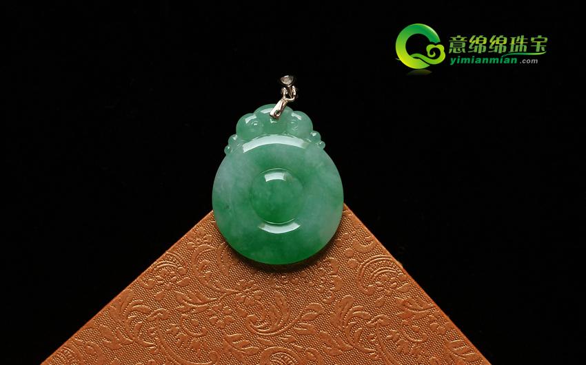 磅礴大气天然缅甸老坑A货冰糯种飘绿翡翠福贝挂件