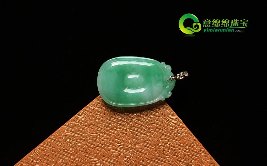 颜丹鬓绿天然缅甸老坑A货冰糯种飘绿翡翠福贝挂件