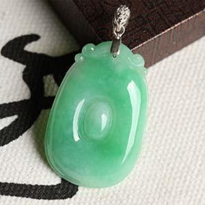 顏丹鬢綠天然緬甸老坑A貨冰糯種飄綠翡翠福貝掛件