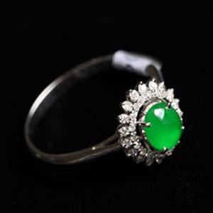 耀如春华缅甸天然老坑翡翠A货玻璃种满绿戒指镶金指环