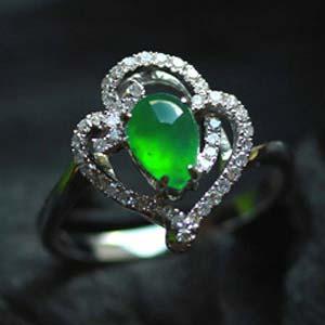 美艳动人天然缅甸老坑A货玻璃种满绿翡翠水滴镶金钻戒指