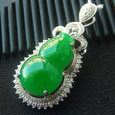璀璨耀眼天然缅甸A货翡翠老坑满绿K金镶嵌葫芦挂件
