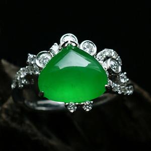 玻璃种帝王绿翡翠A货 玉石心女士戒指