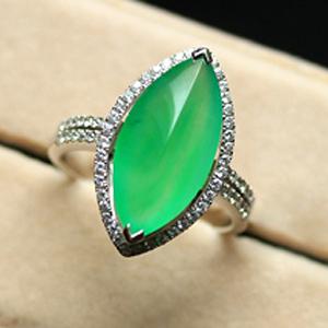 天然满绿翡翠A货镶金戒指女款 冰玻璃种玉马眼