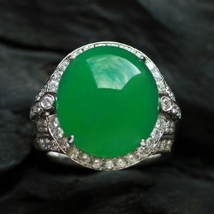 一见倾心天然缅甸老坑A货冰种满绿翡翠镶金蛋面戒指18K金钻镶嵌
