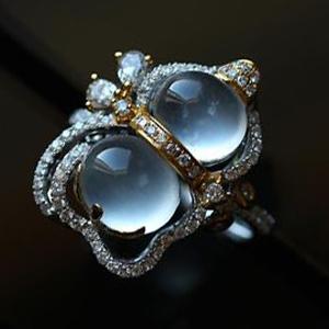老坑玻璃种荧光翡翠A货玉蛋面镶金钻戒指