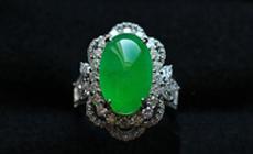 緬甸老坑玻璃種滿綠翡翠A貨18K金鉆石豪華鑲嵌玉戒指
