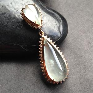 美艳动人天然缅甸老坑A货玻璃种荧光水滴 18K金镶嵌挂件