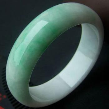 朱颜绿发天然缅甸A货冰糯种果绿色翡翠手镯 内径60.5mm