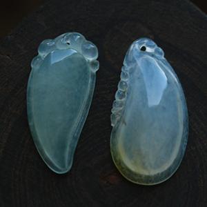 晶莹剔透冰玻璃种天然缅甸老坑龙8国际|appA货玉石福瓜吊坠