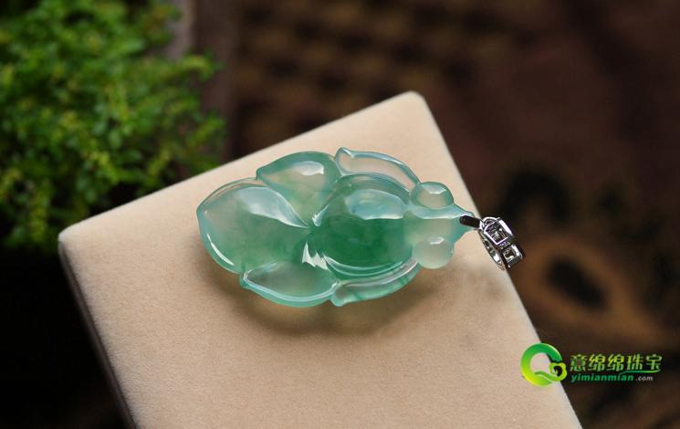 如鱼得水天然缅甸A货翡翠老坑冰玻璃种飘绿花金鱼挂件