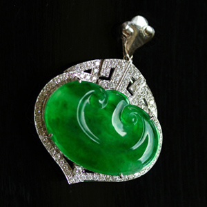 色泽艳丽天然缅甸A货翡翠老坑玻璃种满绿玉石如意挂件