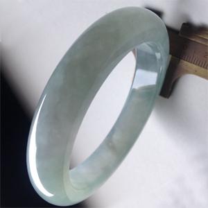 飘逸动人天然缅甸A货翡翠老坑冰种荧光手镯56.2mm