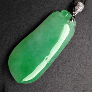 岁月袅绕天然缅甸A货翡翠老坑冰糯种阳绿福瓜挂件