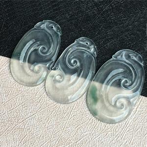 霁月光风天然缅甸A货翡翠老坑冰种飘花如意一手三个