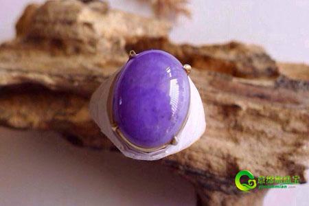 皇家紫翡翠雍容华贵 百里难寻其一