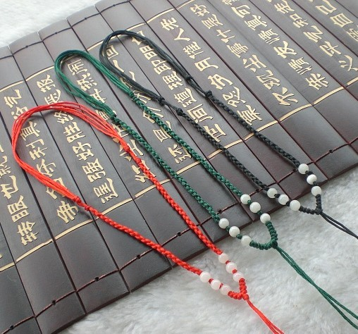 巧妙搭配玉坠挂绳 为你的玉器加分