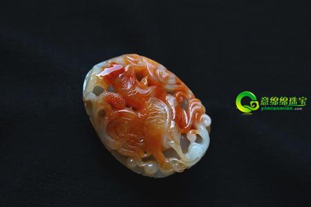 气宇轩昂翡翠鸡 以民间最常见的家禽为雕刻题材